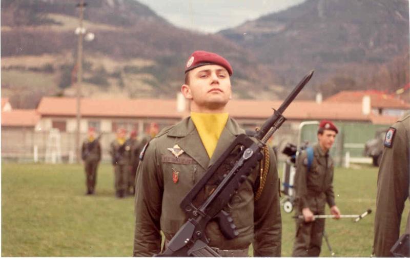 Remise de fourragères a Belesta (09) en 1983  Jeune_10