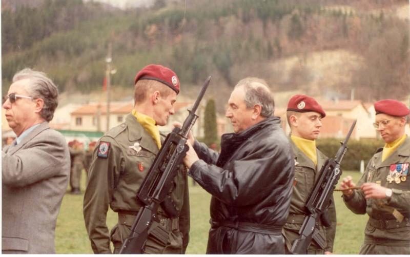 Remise de fourragères a Belesta (09) en 1983  Mr_le_10