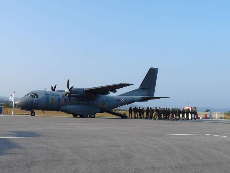 embarquement et saut de CASA à Pamiers du 1°R.C.P. P1010310