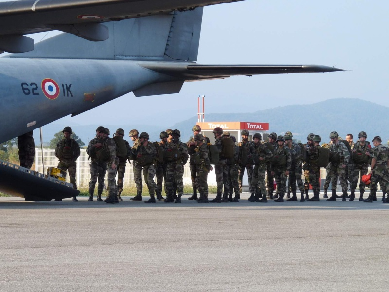 embarquement et saut de CASA à Pamiers du 1°R.C.P. P1010312