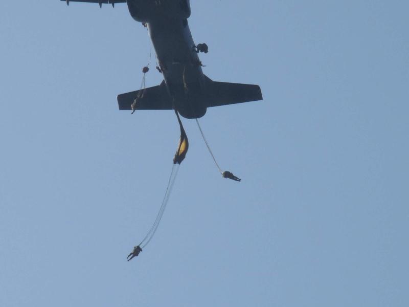 embarquement et saut de CASA à Pamiers du 1°R.C.P. P1010313