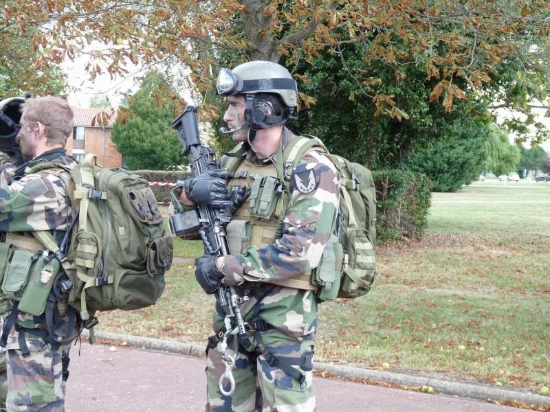 Groupe de commandos parachutistes du 1° R.C.P. et armement spécifique  P1020130