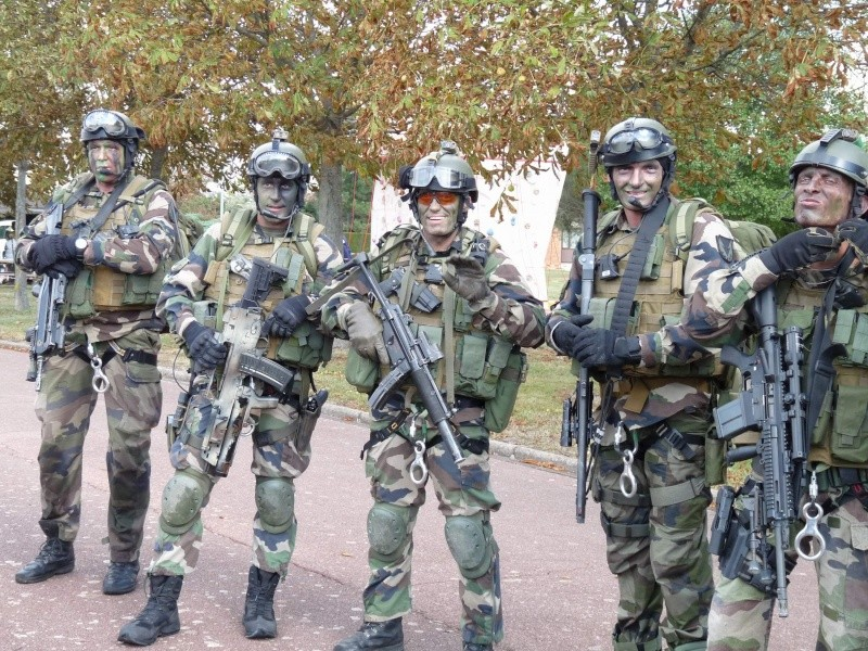 Groupe de commandos parachutistes du 1° R.C.P. et armement spécifique  P1020131