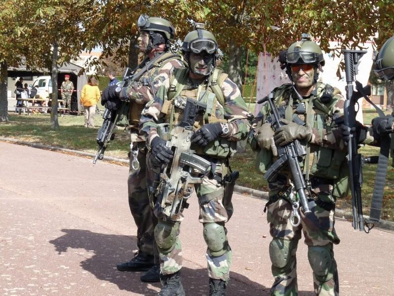 Groupe de commandos parachutistes du 1° R.C.P. et armement spécifique  P1020132