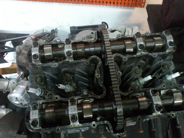 Kawa Z500 pourrie vers racer sympa et low cost>>> photos fin - Page 2 Soupap10