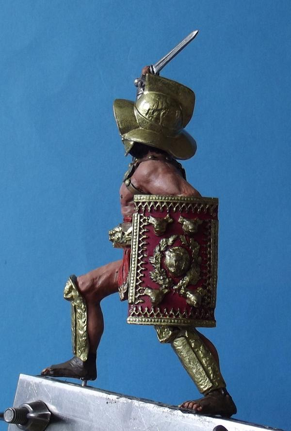 Hoplomachus mit Löwenschild K800_162