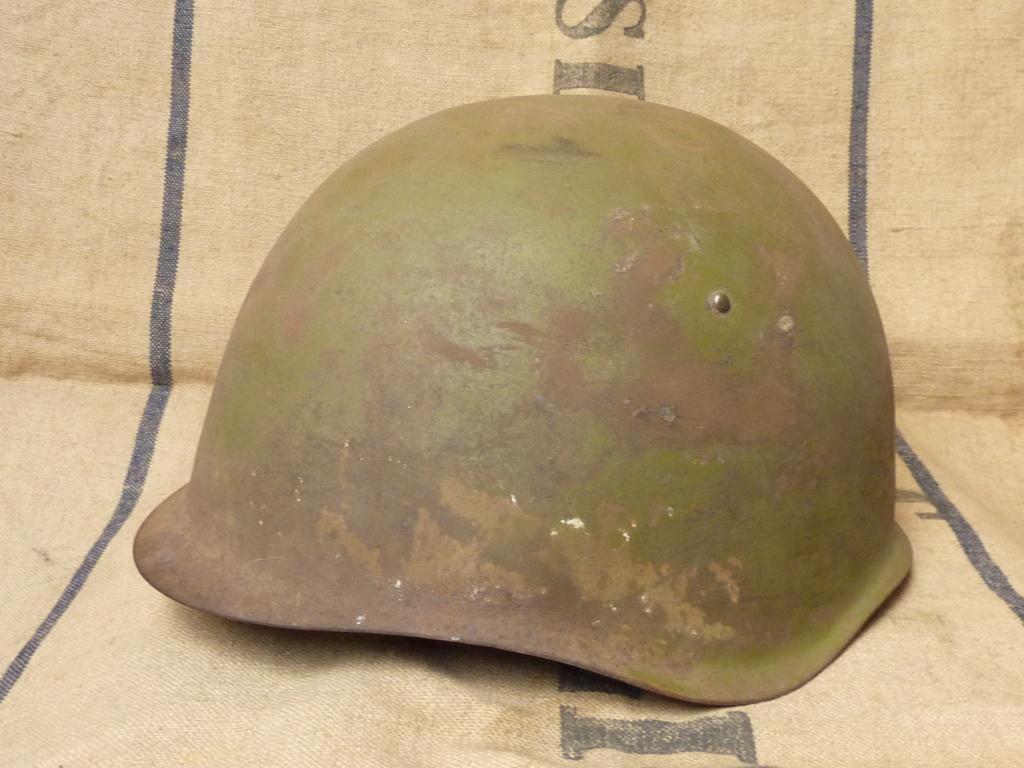 Casque Russe WW2 modèle Ssh39 P1130512