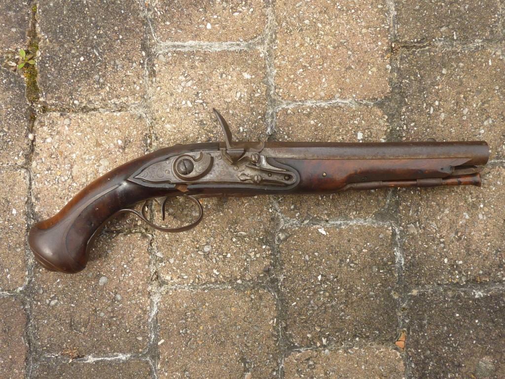 Un pistolet à silex  P1200610