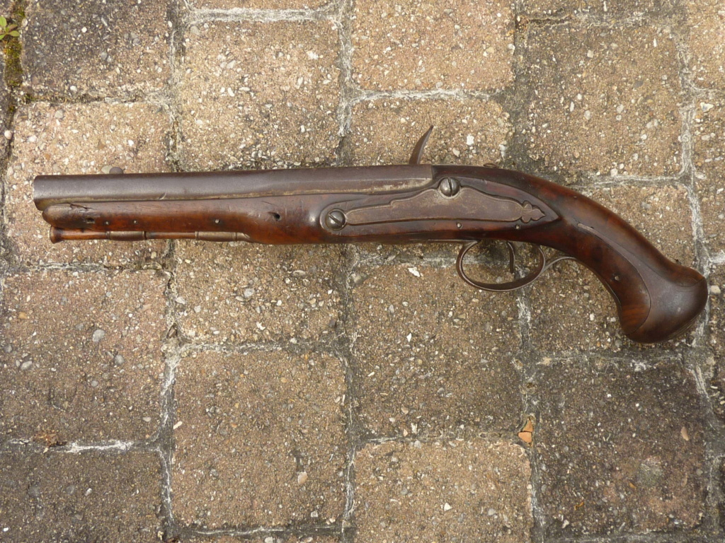 Un pistolet à silex  P1200611