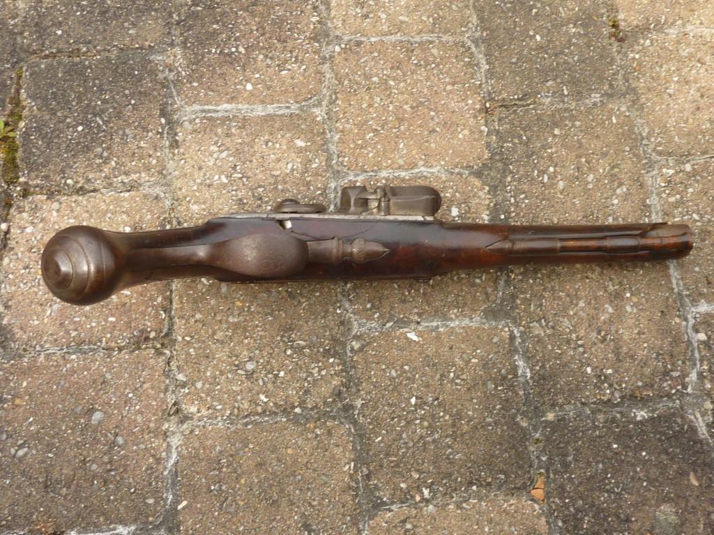 Un pistolet à silex  P1200612