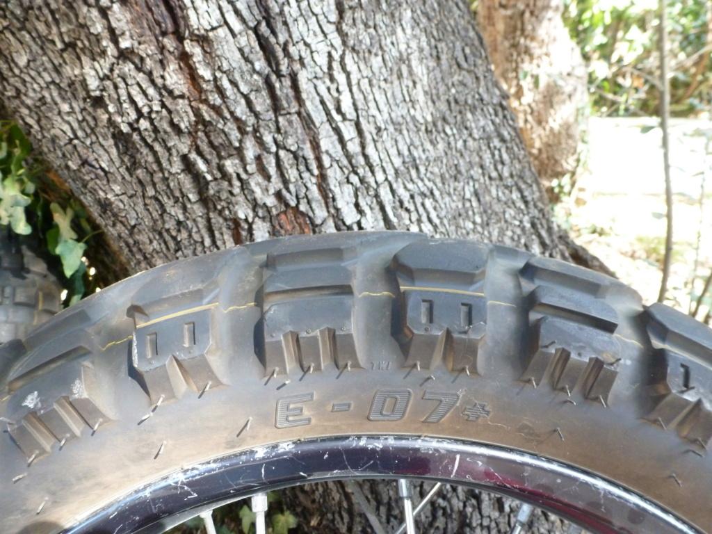 (vends) pneus MITAS Pneu_011