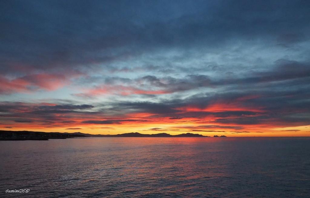 Dernier lever de soleil 2020 Pc310811