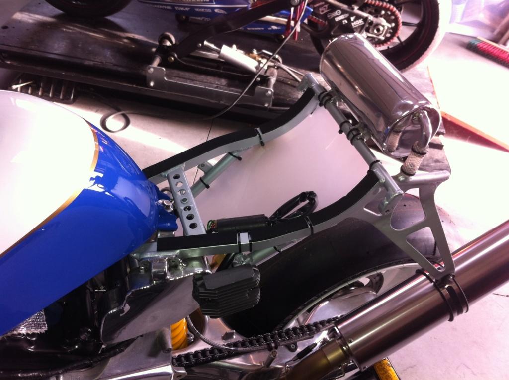 [Oldies] Honda VFR750r RC30 et autres V4 - Page 2 Honda_14