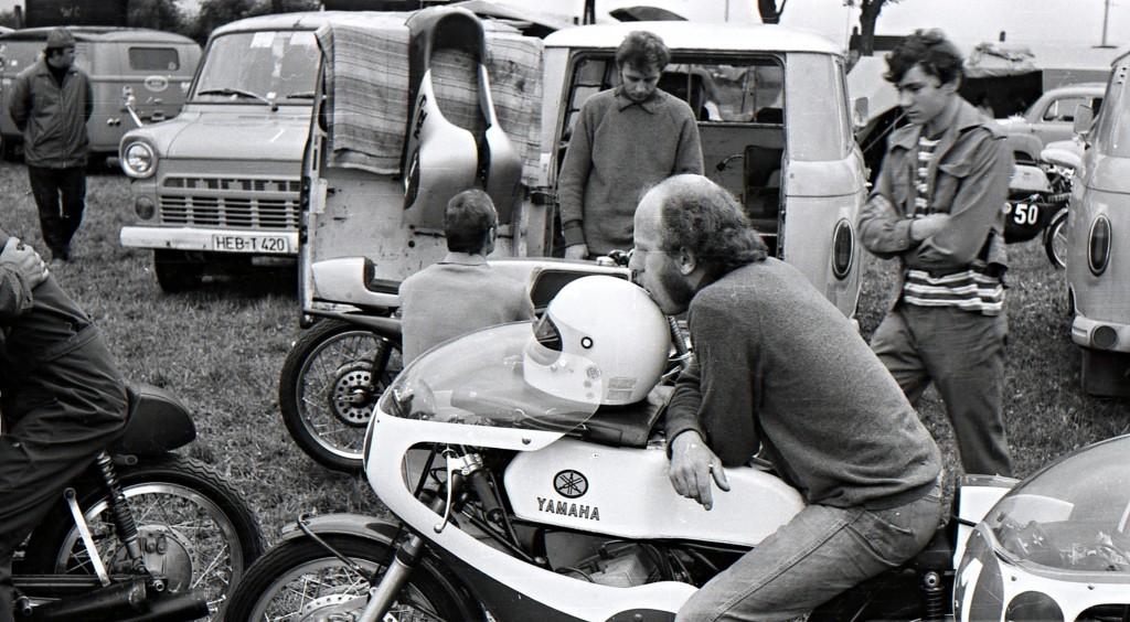 [Oldies] Les transporteurs de motos des paddocks - Page 19 Trans_14