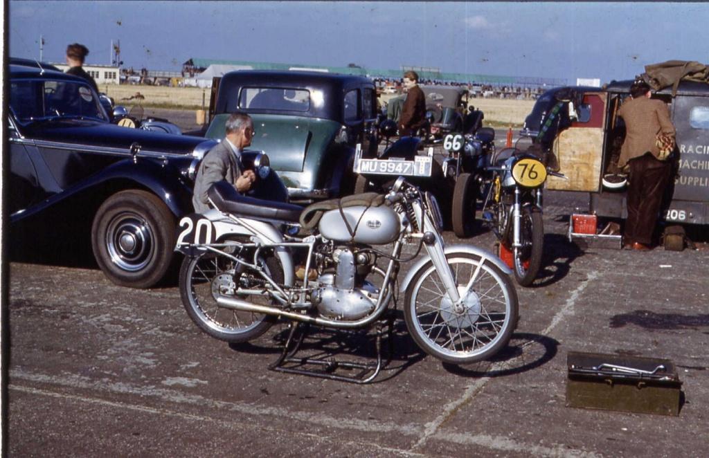 [Oldies] Les transporteurs de motos des paddocks - Page 20 Trans_16