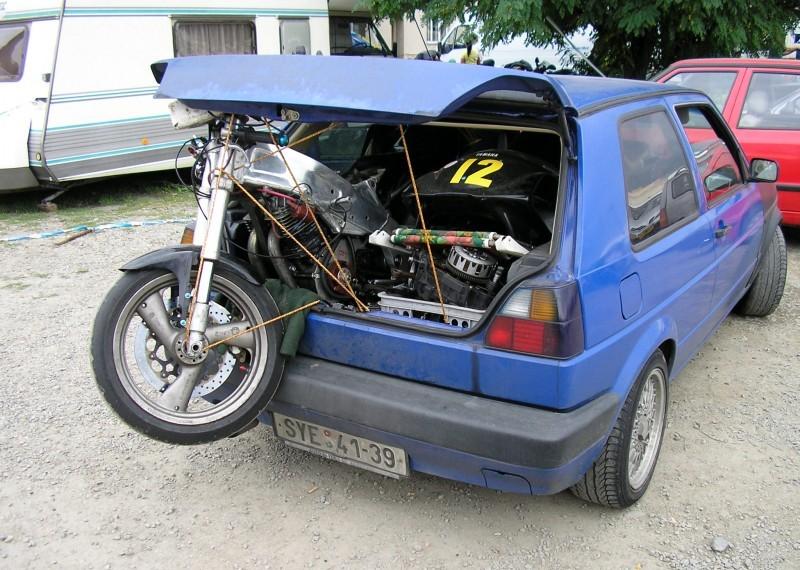 [Oldies] Les transporteurs de motos des paddocks - Page 19 Transp12