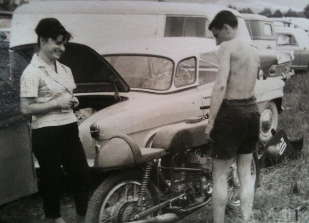 [Oldies] Les transporteurs de motos des paddocks - Page 19 Transp13