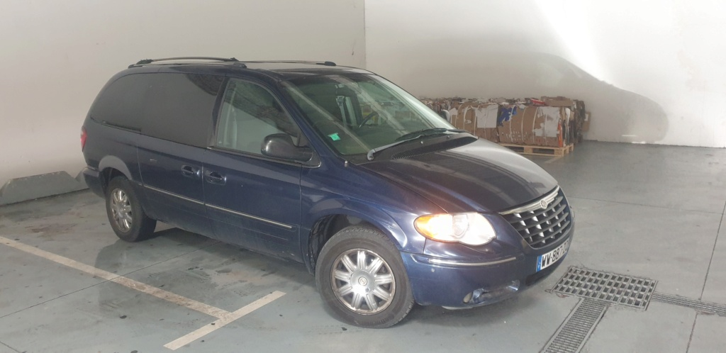 Pièces Chrysler town country stow n go.  20210126