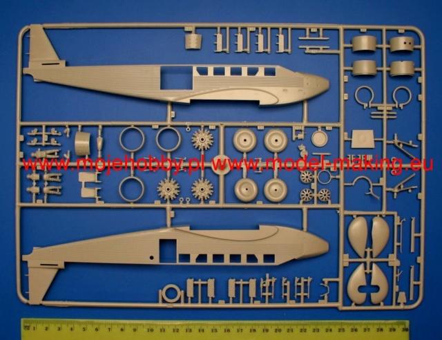 Junker JU 52 Toucan  marque Heller au 1/72ème.  1124_110