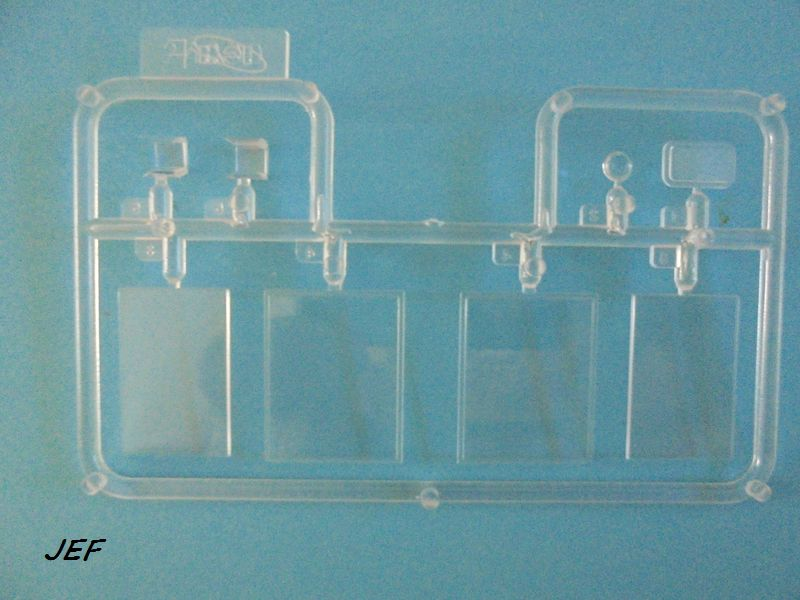 From the box - RENAULT TAXI TYPE AG HELLER 1/24 Réf 30705 ( origine ICM )  Tm_01110