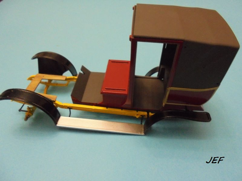 From the box - RENAULT TAXI TYPE AG HELLER 1/24 Réf 30705 ( origine ICM )  - Page 3 Tm_05610