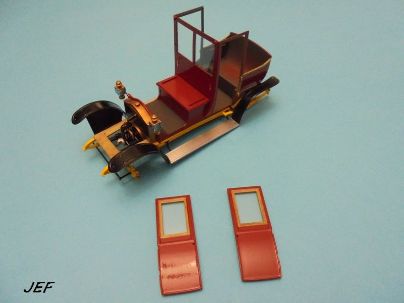 From the box - RENAULT TAXI TYPE AG HELLER 1/24 Réf 30705 ( origine ICM )  - Page 5 Tm_06910