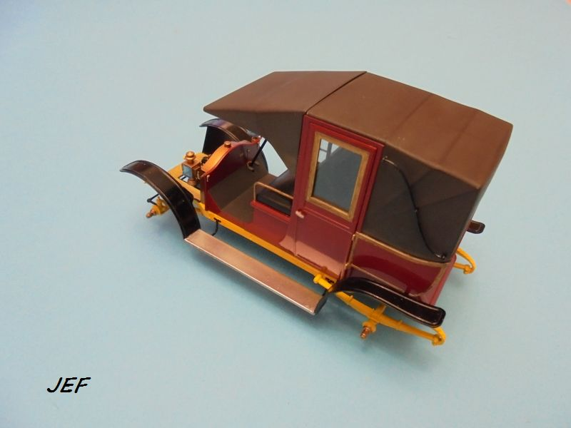 From the box - RENAULT TAXI TYPE AG HELLER 1/24 Réf 30705 ( origine ICM )  - Page 6 Tm_08210