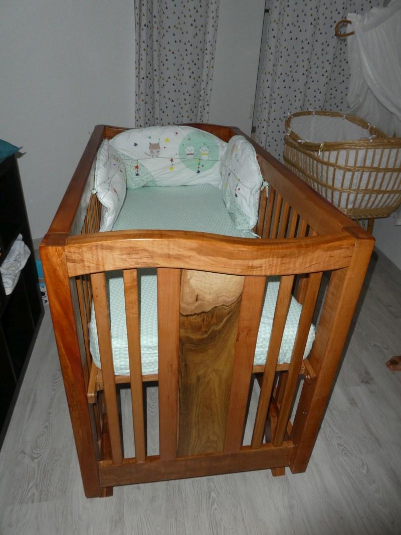 un berceau pour bébé Mb_bed10