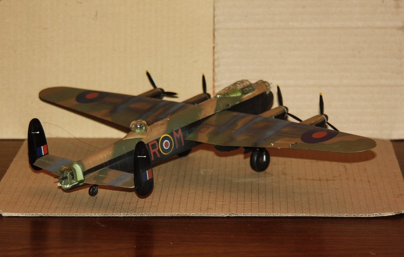 LANCASTER REVELL 1/72 - Page 5 Img_0201