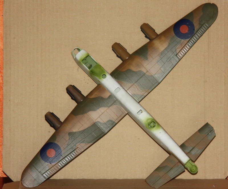 LANCASTER REVELL 1/72 - Page 3 Img_0275