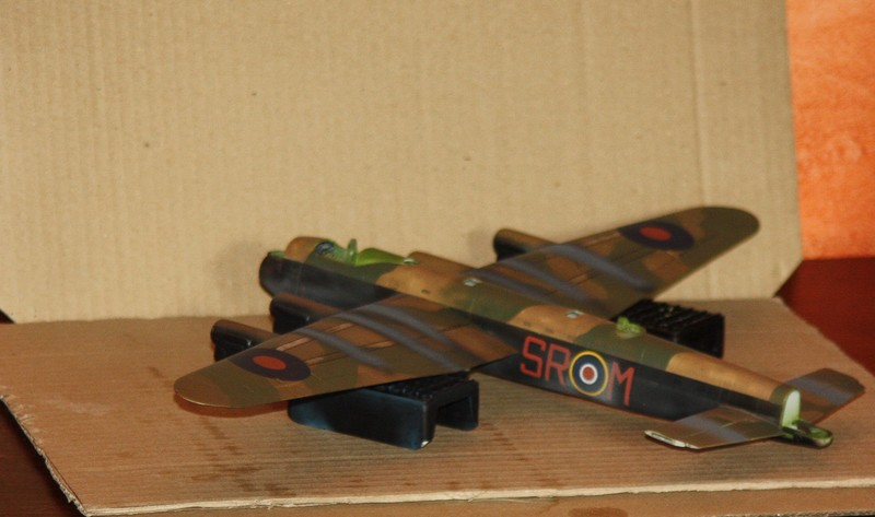LANCASTER REVELL 1/72 - Page 4 Img_0288