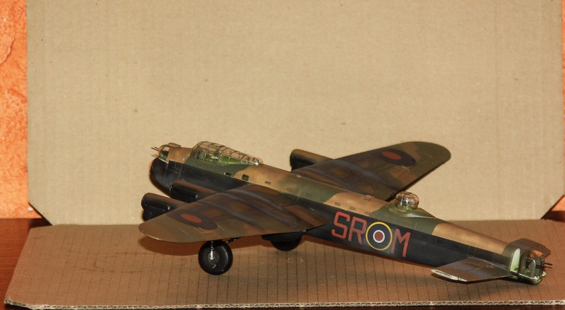 LANCASTER REVELL 1/72 - Page 5 Img_0297