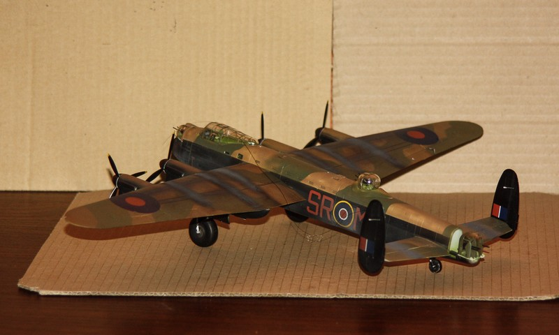LANCASTER REVELL 1/72 - Page 5 Img_0299