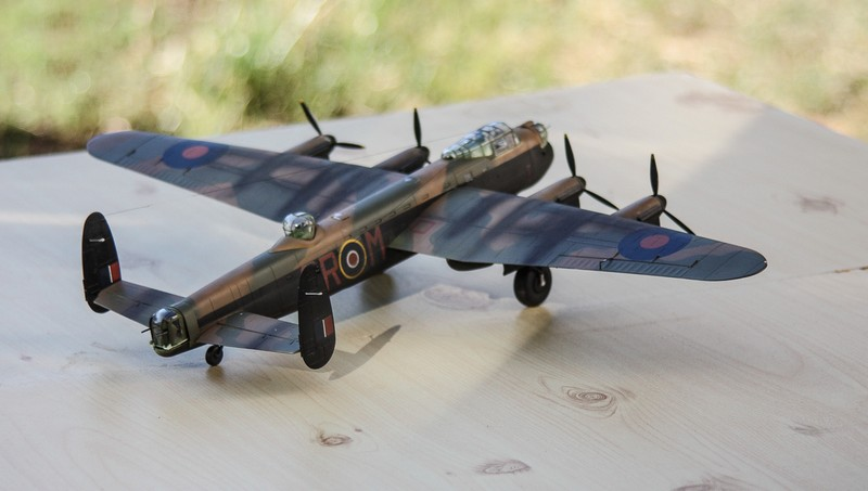 LANCASTER REVELL 1/72 - Page 5 Img_0312