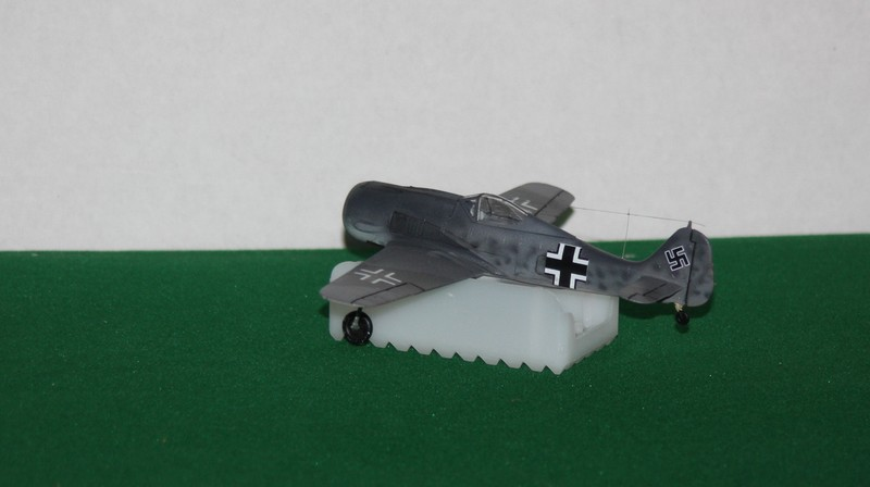 FW 190 A/F HELLER 1/72 - Page 2 Img_0416