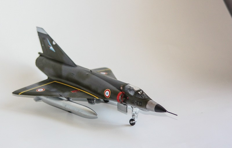 MIRAGE III E/R/B HELLER au 1/72 - Page 3 Img_0921
