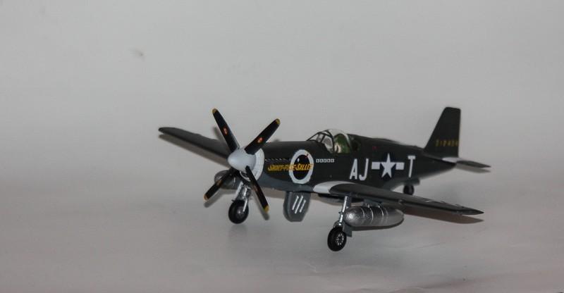 P 51 B/C 1/72 HOBBY 2000 et ACADEMY  Img_0928