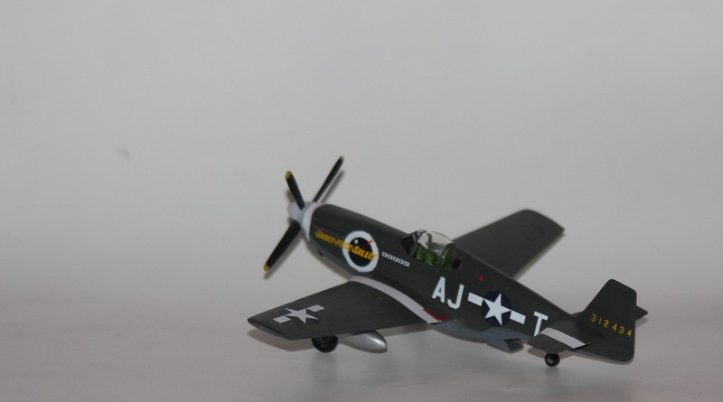 P 51 B/C 1/72 HOBBY 2000 et ACADEMY  Img_0929