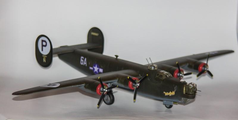 P 51 B/C 1/72 HOBBY 2000 et ACADEMY  Img_0948
