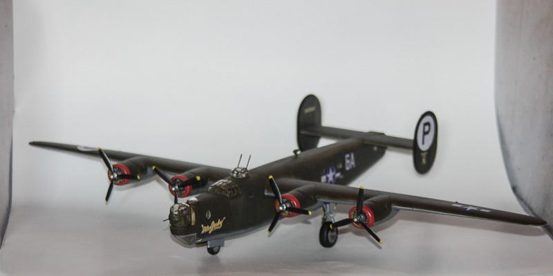 P 51 B/C 1/72 HOBBY 2000 et ACADEMY  Img_0949