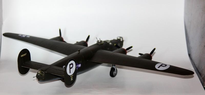 P 51 B/C 1/72 HOBBY 2000 et ACADEMY  Img_0951
