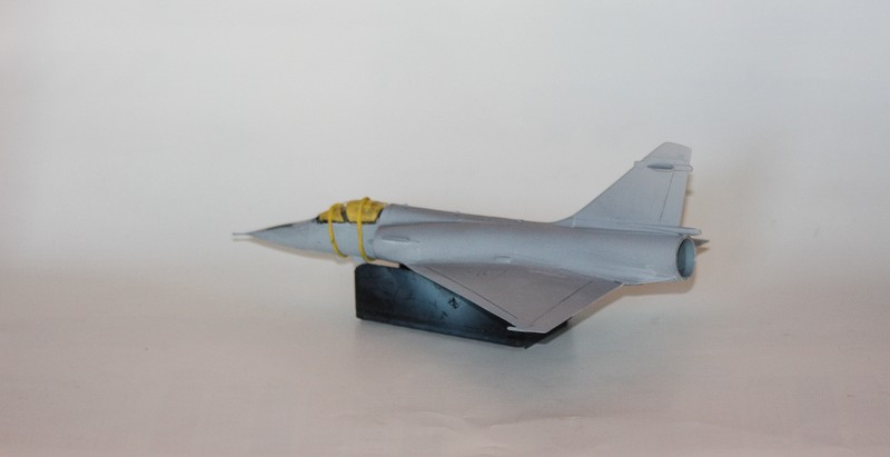 MIRAGE 2000 HELLER 1/72 - Page 2 Img_1010