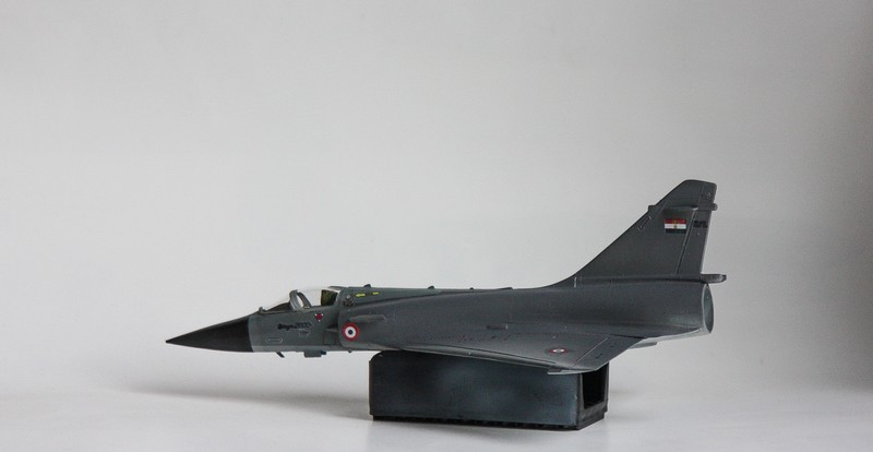 MIRAGE 2000 HELLER 1/72 - Page 4 Img_1032