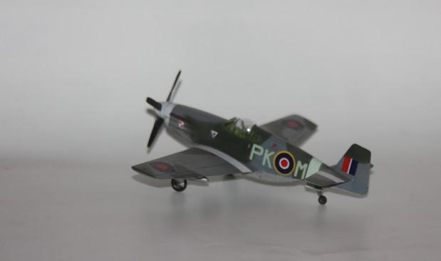 P 51 B/C au 1/72 HOBBY BOSS Img_1388