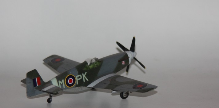 P 51 B/C au 1/72 HOBBY BOSS Img_1389