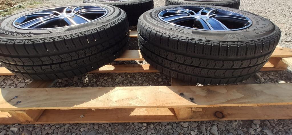 (VENDUE) Jantes T5 homologuées 16 pouces x 6.5 - ET51 + pneus neige Img_2014