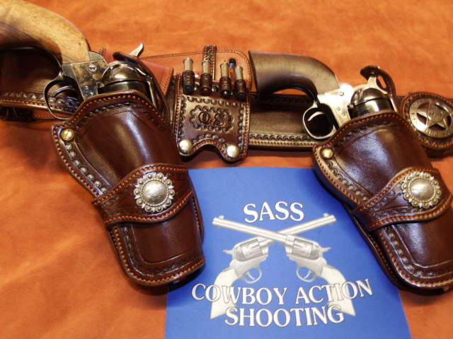 ALBUQUERQUE C.A.S HOLSTERS by SLYE Dscf0611