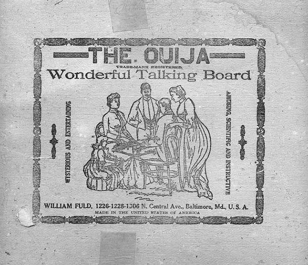 la table tounante, ancêtre de la planche oui-ja que l'on peut écrire aussi ouija