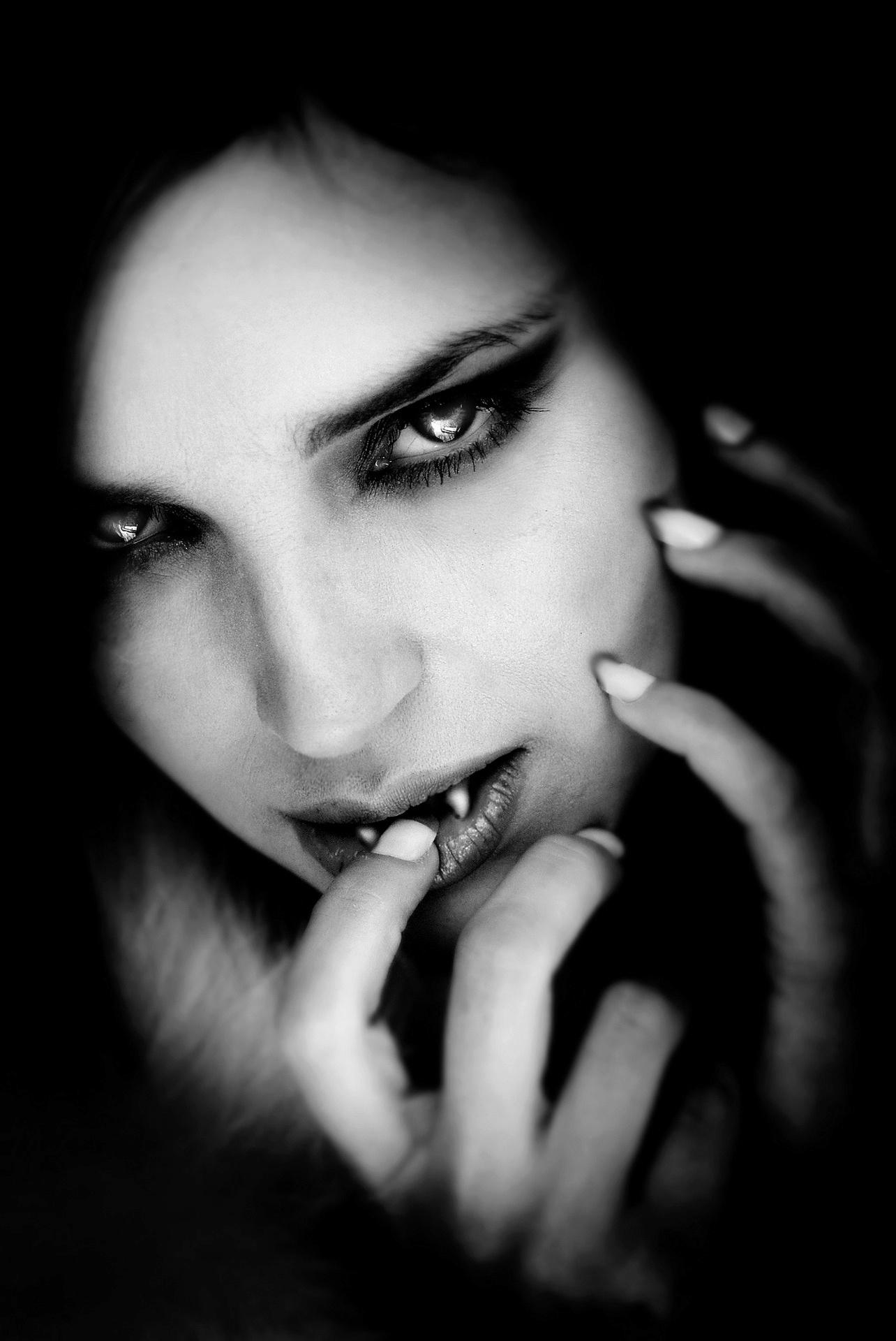 Les vampires et suceurs de sang appelé aussi les vampyr