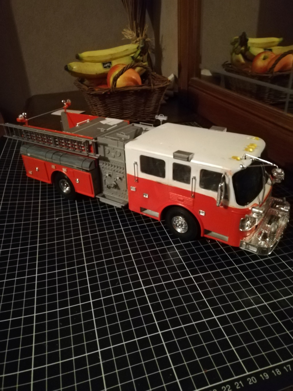 American Lafrance Eagle fire pumper [Trumpeter 1/25] - Page 2 Img_2034